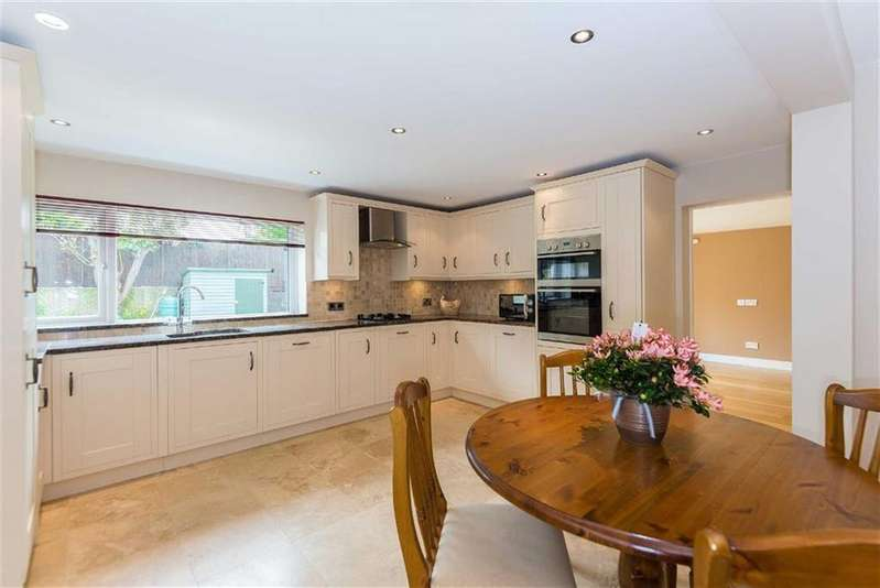3 Bedrooms Semi Detached House for sale in Bird Lane, Harefield, Uxbridge