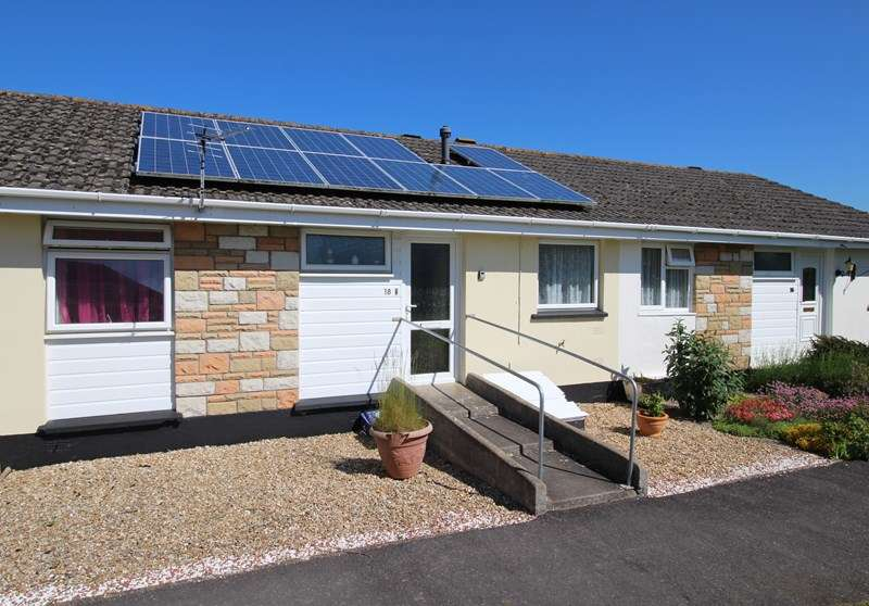 2 Bedrooms Terraced Bungalow for sale in South Avenue, Bideford