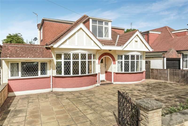 5 Bedrooms Detached House for sale in St. Margarets Road, Ruislip, Middlesex, HA4