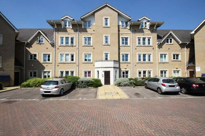 2 Bedrooms Apartment Flat for sale in Walnut Close, Steeple View