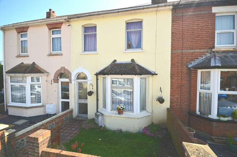 3 Bedrooms Terraced House for sale in Manor Road, Dovercourt, Harwich