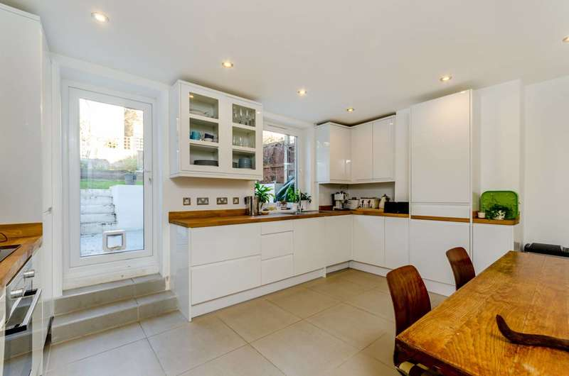 3 Bedrooms House for sale in Trenholme Road, Anerley, SE20