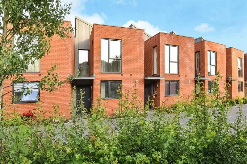 3 Bedrooms Town House for sale in Winchester, Hampshire