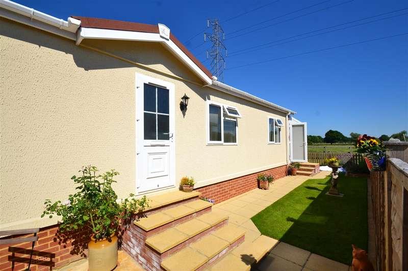1 Bedroom Property for sale in Bonehurst Road, Horley