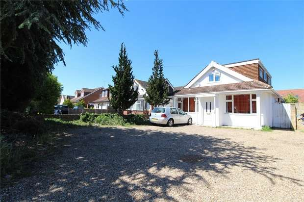 4 Bedrooms Detached House for sale in Feltham Hill Road, Ashford, Surrey
