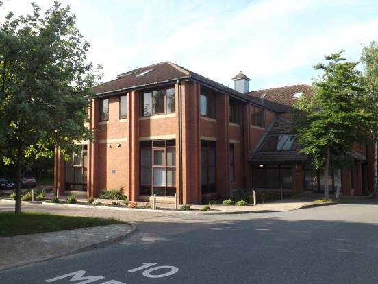1 Bedroom Flat for sale in Ancells Road, Fleet