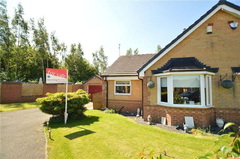 3 Bedrooms Semi Detached Bungalow for sale in Oyster Close, Morley, Leeds