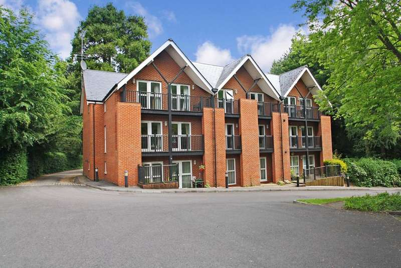 3 Bedrooms Apartment Flat for sale in Argyll Court, 142 St Cross Road