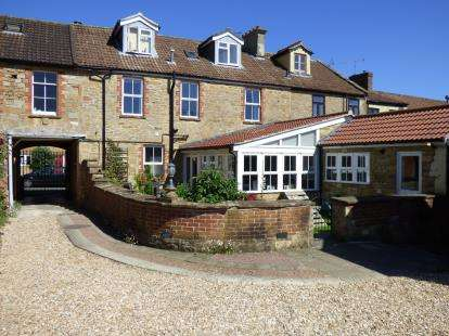5 Bedrooms Terraced House for sale in Martock, Somerset