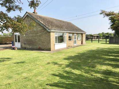 2 Bedrooms Bungalow for sale in Ferry Lane, Brothertoft, Boston, Lincolnshire