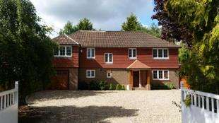 5 Bedrooms Detached House for sale in Carlton Road, Redhill, Surrey