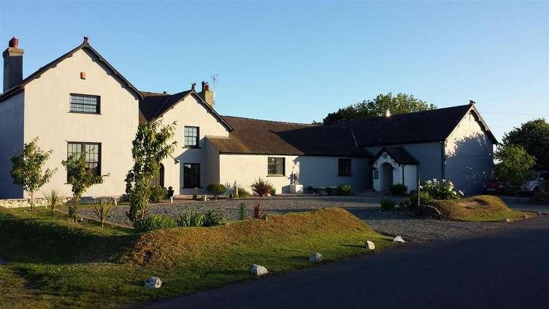 7 Bedrooms Detached House for sale in Castlemartin, Pembroke