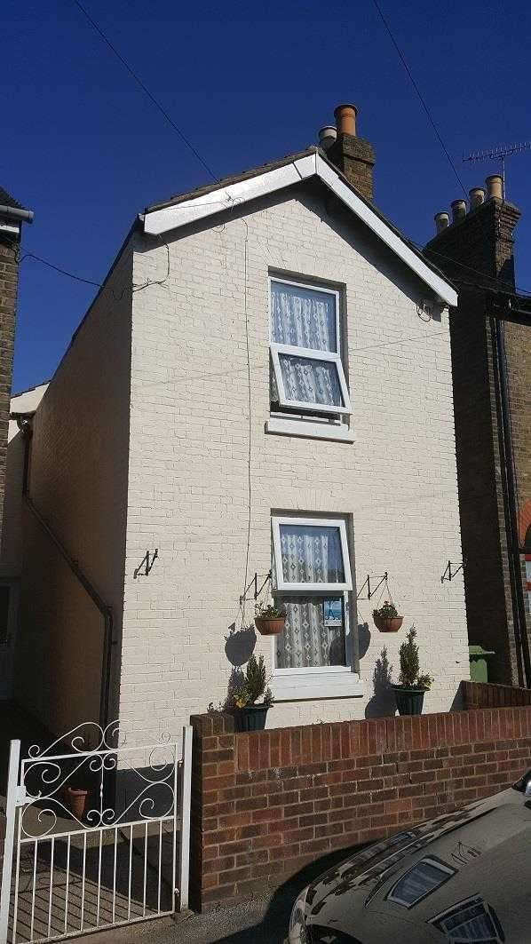 3 Bedrooms Detached House for sale in St. Marys Road, Faversham
