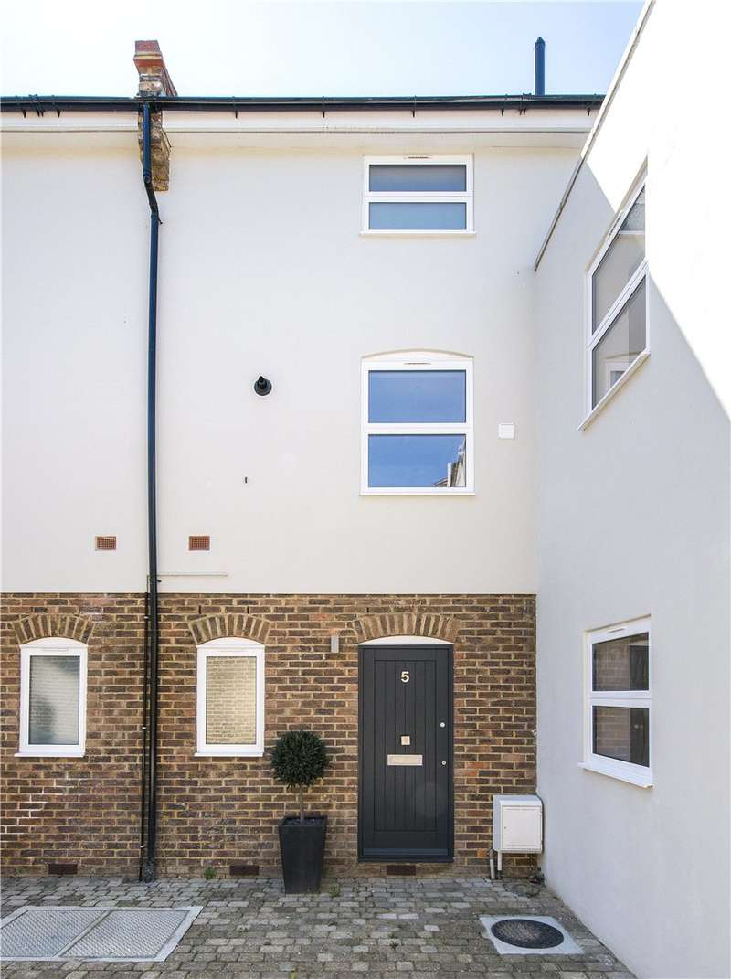 4 Bedrooms House for sale in Abberley Mews, London, SW4