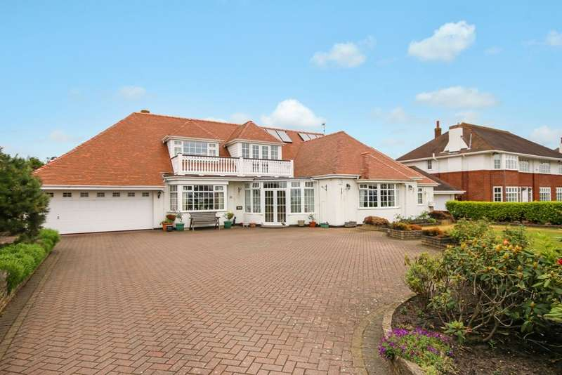 4 Bedrooms Detached Bungalow for sale in Waterloo Road, Birkdale, Southport