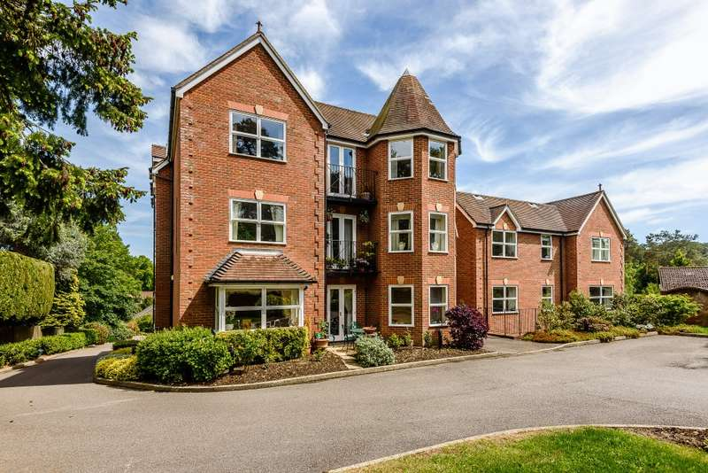 2 Bedrooms Apartment Flat for sale in Lower Bourne