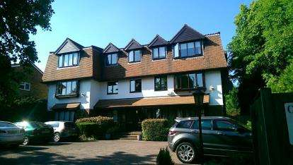 3 Bedrooms Flat for sale in Carlyle Lodge, 33 Richmond Road, Barnet