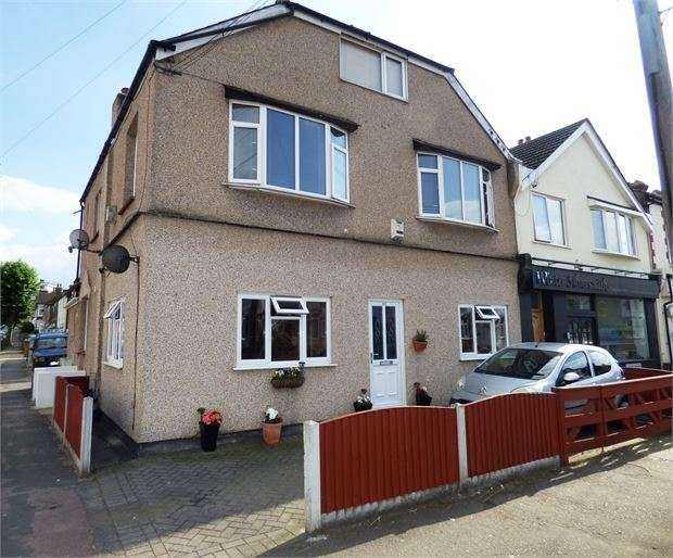 1 Bedroom Apartment Flat for sale in Glendale Gardens, Leigh-on-Sea, Leigh on sea, SS9 2AY