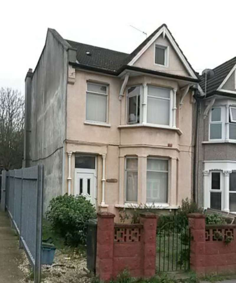 4 Bedrooms Terraced House for sale in Woodville Road, Thornton Heath, Surrey, CR7 8LG