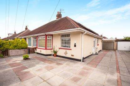 2 Bedrooms Bungalow for sale in Milton Avenue, Thornton-Cleveleys, Lancs, ., FY5