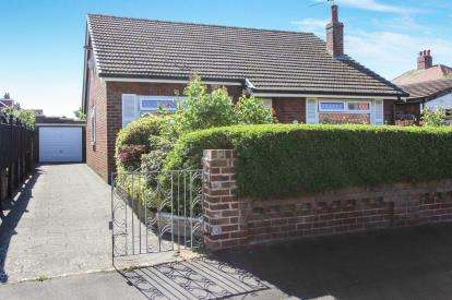3 Bedrooms Bungalow for sale in Dawson Road, Lytham St. Annes, Lancashire, England, FY8