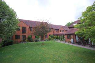 1 Bedroom Flat for sale in Shaftsbury Court, London Road, Uckfield, East Sussex