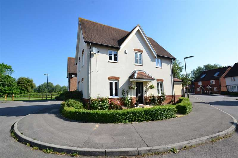 5 Bedrooms Property for sale in Meadow Way, Horley