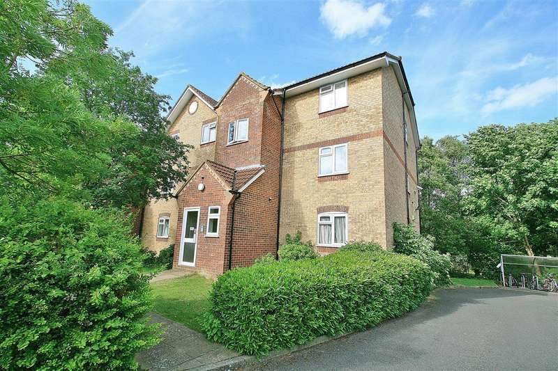 1 Bedroom Apartment Flat for sale in NORTH HAYES