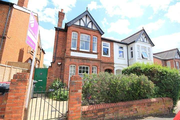3 Bedrooms Flat for sale in Saint Anne's Road, Caversham, Reading, RG4