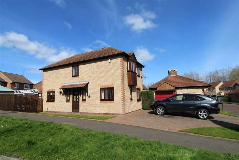 4 Bedrooms Detached House for sale in Festival Park Drive, Gateshead, Festival Park, Tyne And Wear