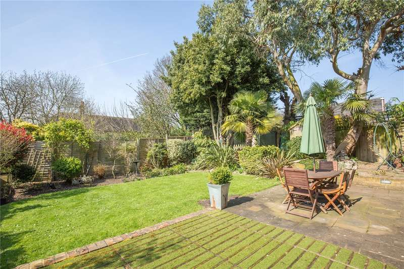 4 Bedrooms House for sale in Hampstead Heights, East Finchley, London, N2