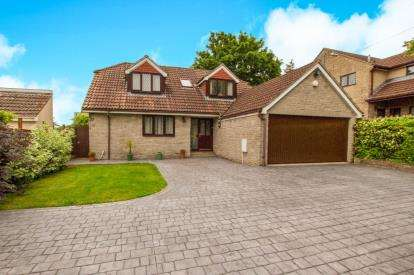 4 Bedrooms Bungalow for sale in Abson Road, Pucklechurch, Bristol, South Glos
