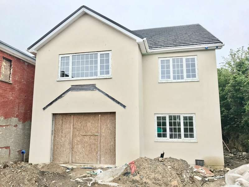 5 Bedrooms Detached House for sale in Heol Y Felin, Seven Sisters, Neath