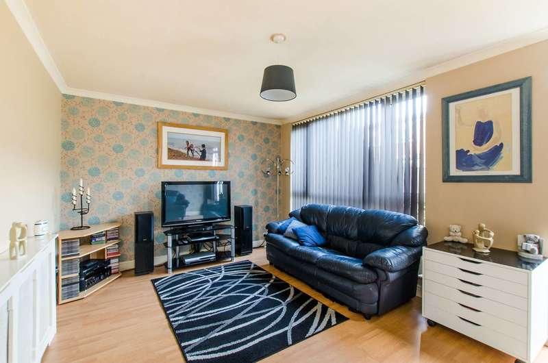 3 Bedrooms Terraced House for sale in Caistor Road, Balham, SW12