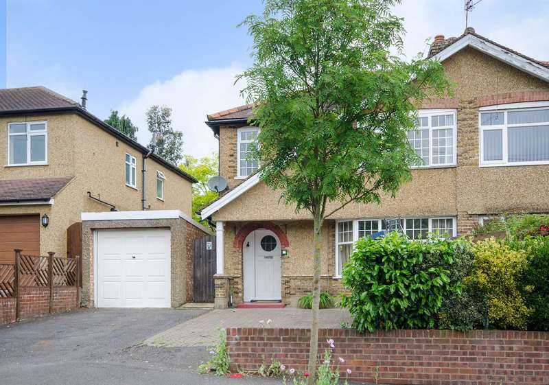 4 Bedrooms Semi Detached House for sale in Hill Lane, Ruislip, HA4