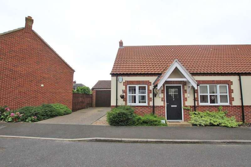 2 Bedrooms Bungalow for sale in MELLOR WAY, NEW WALTHAM