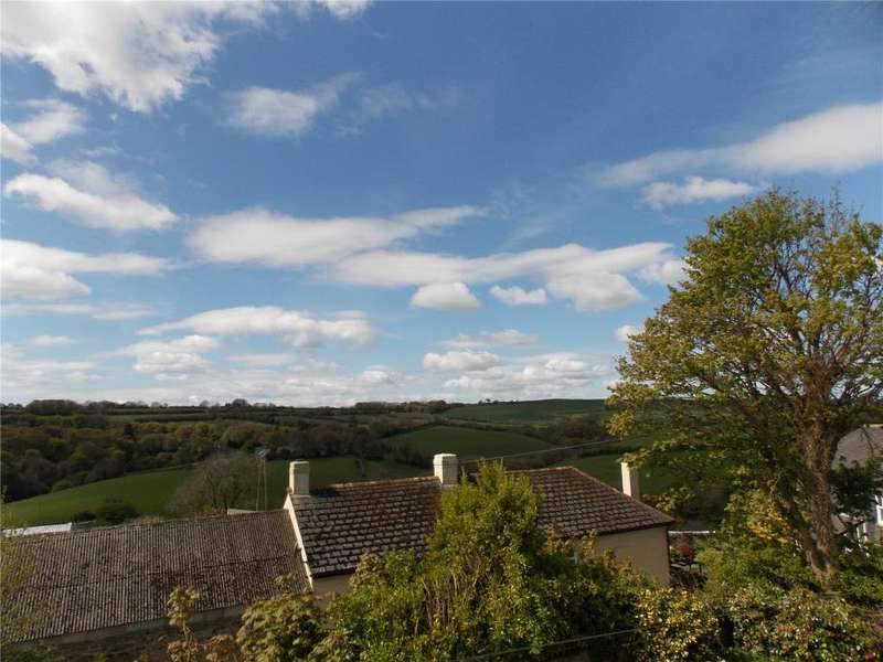 4 Bedrooms Detached House for sale in Little Park, Trevelmond, Cornwall