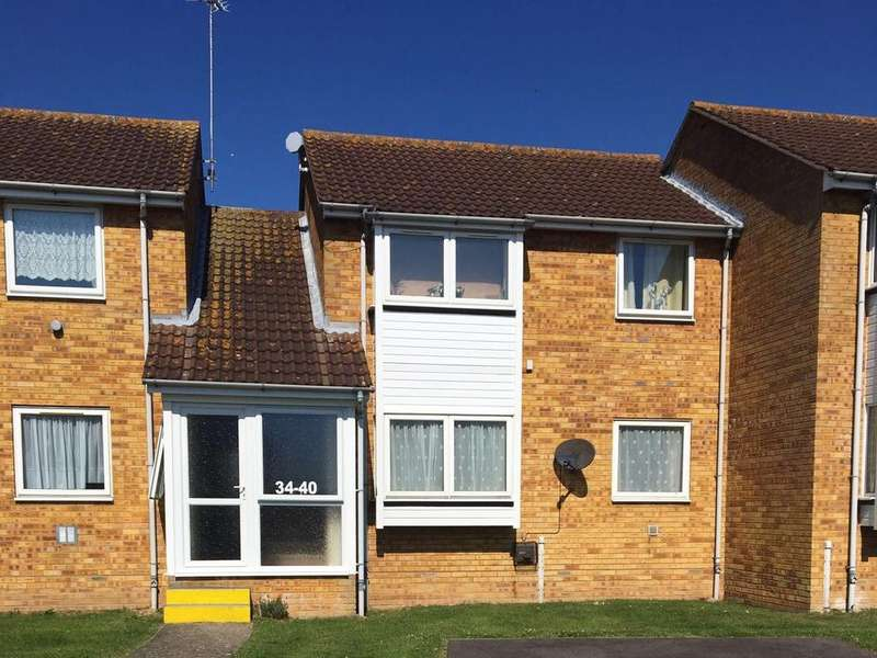 1 Bedroom Flat for sale in Havering Close, Clacton-on-Sea CO15