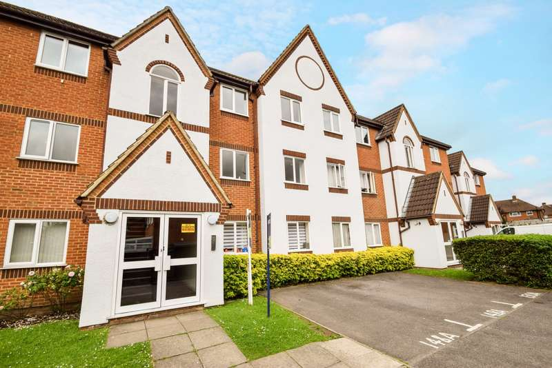 2 Bedrooms Flat for sale in Littlebrook Avenue, Slough, SL2