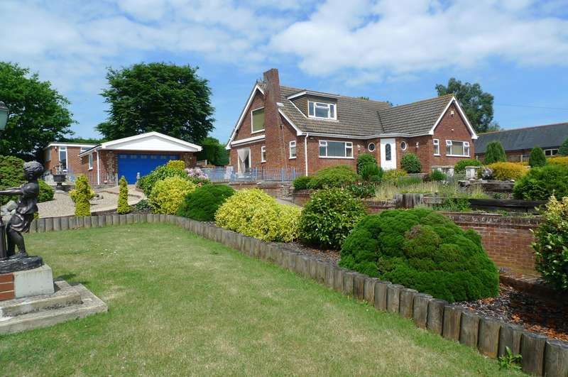 4 Bedrooms Detached Bungalow for sale in School Lane, Cantley, Norwich, NR13
