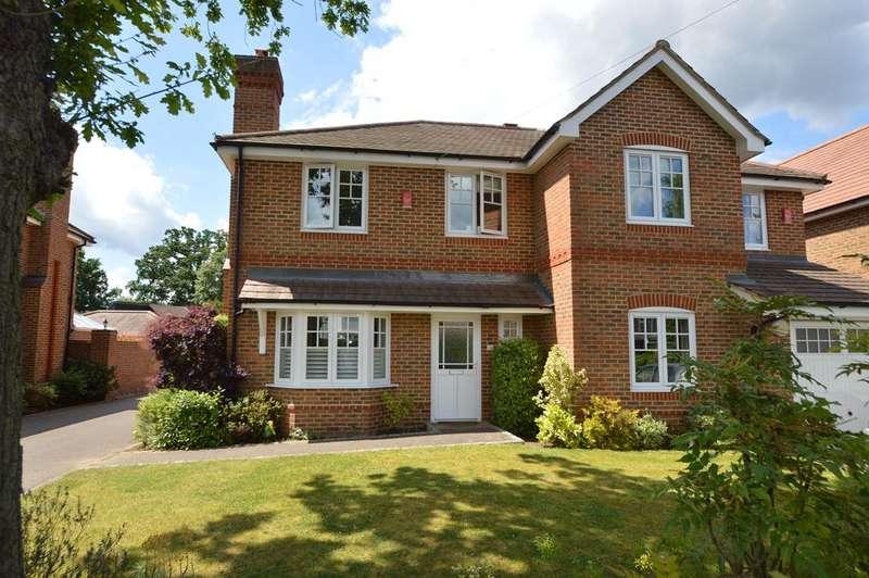 4 Bedrooms Semi Detached House for sale in Green Lane, HERSHAM VILLAGE KT12