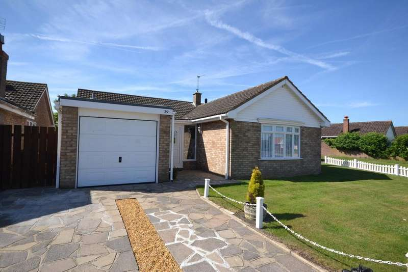 3 Bedrooms Detached Bungalow for sale in Whittaker Way, West Mersea