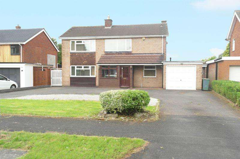 3 Bedrooms Detached House for sale in Elizabeth Road, South Walsall, WS5 3PF