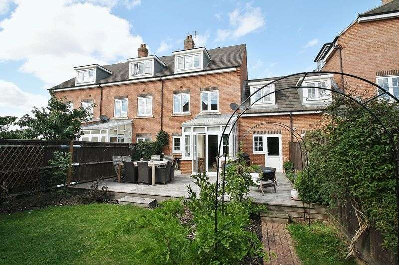 4 Bedrooms Property for sale in Sovereign Place, Wallingford