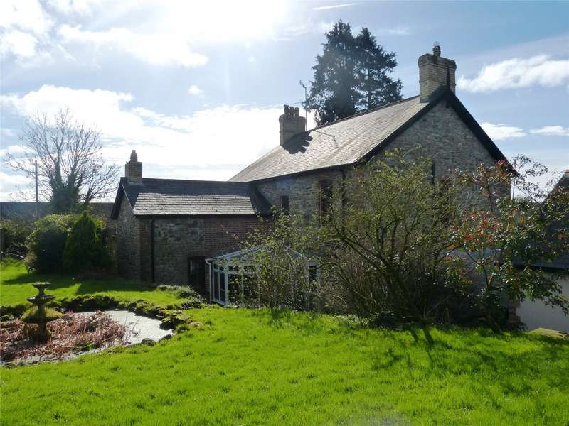 5 Bedrooms Detached House for sale in Penderi, Llanfallteg, Whitland, Pembrokeshire