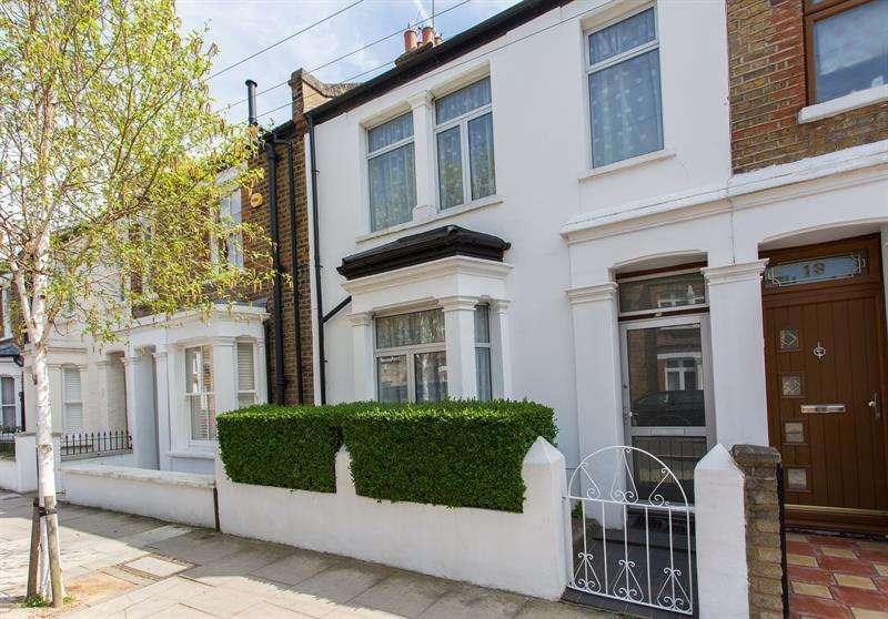 2 Bedrooms Terraced House for sale in Tunis Road, Shepherds Bush, W12