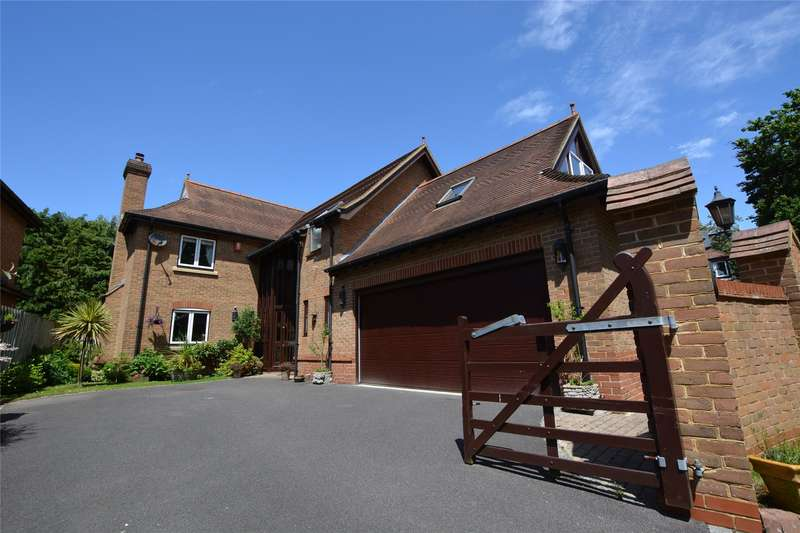 5 Bedrooms Detached House for sale in Longford Place, Pennington, Lymington, Hampshire, SO41