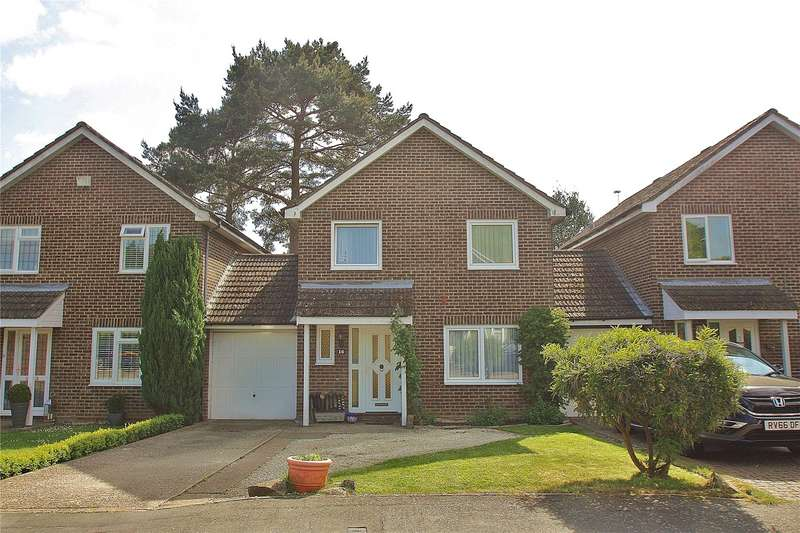 4 Bedrooms Detached House for sale in Snowdrop Way, Bisley, Woking, Surrey, GU24