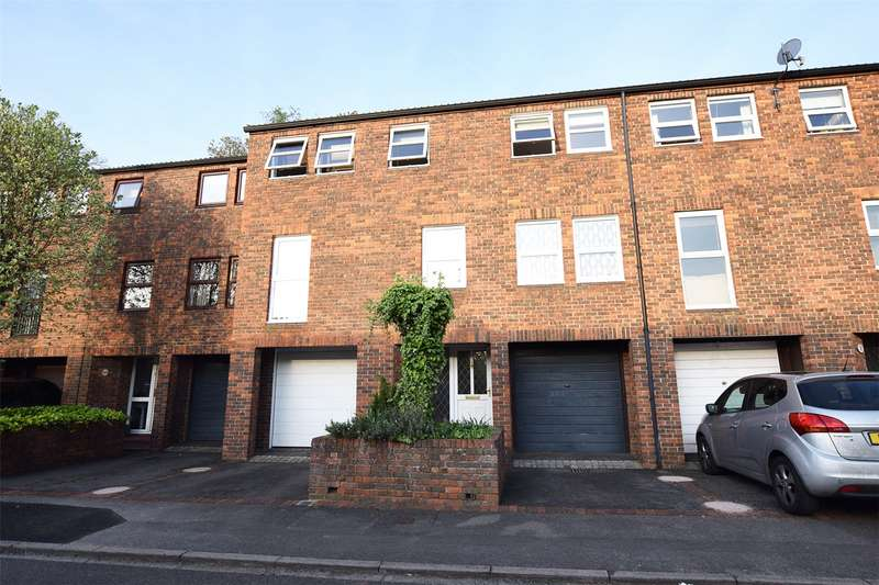3 Bedrooms Terraced House for sale in Jevington, Bracknell, Berkshire, RG12