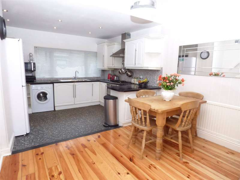 2 Bedrooms Terraced House for sale in Margaret Street, Rawtenstall, Rossendale, Lancashire, BB4